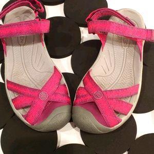 Keen Women's Bali Shoes... Size 8